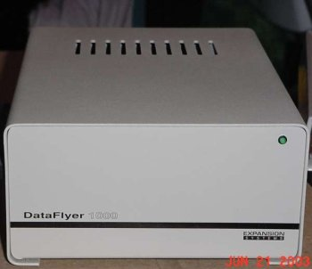 Dataflyer 1000 case, Front